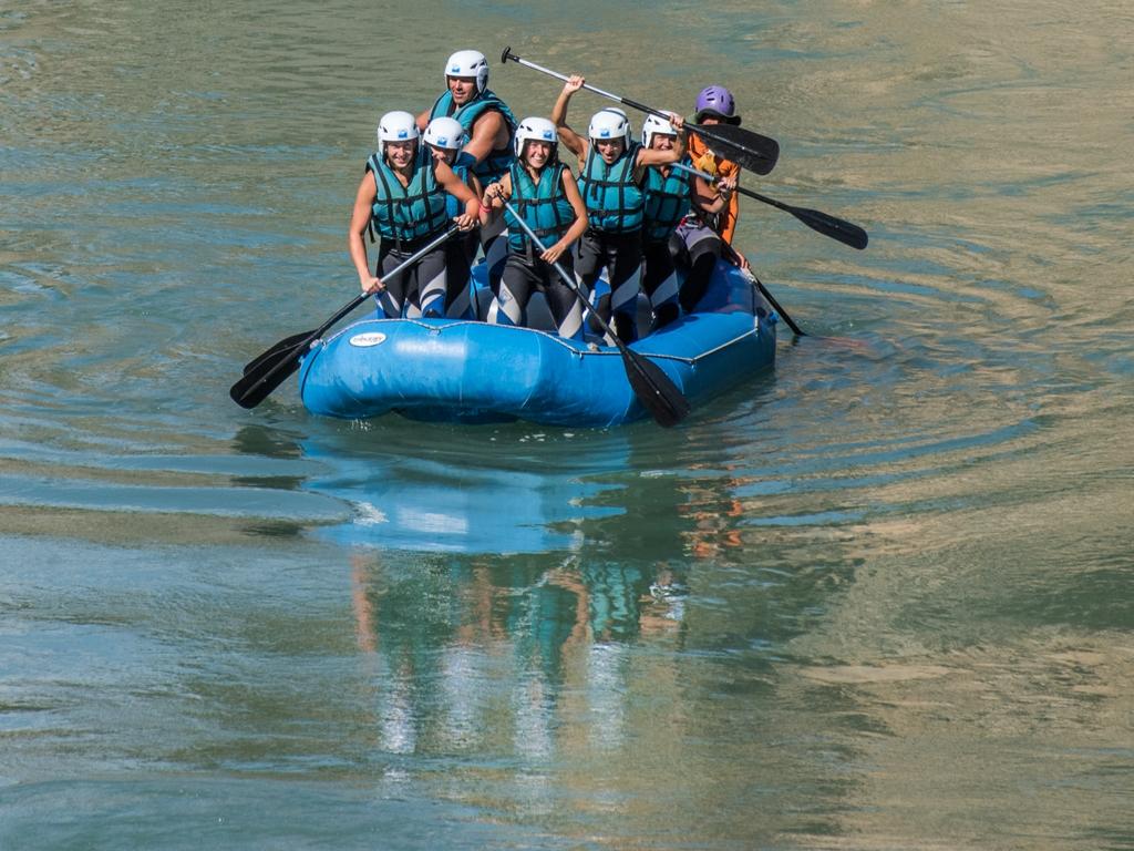 Deporte de aventura y trabajo en grupo con los compañeros con UR Pirineos
