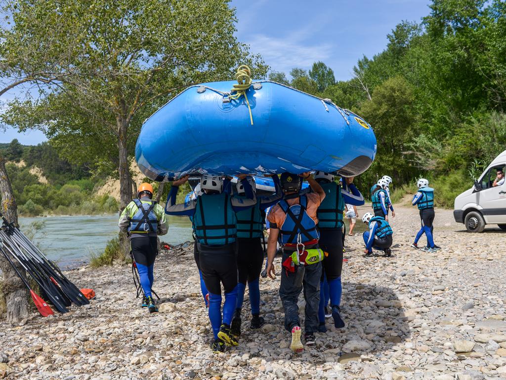 Incentivo de empresa y cohesion de grupo en Rafting con UR Pirineos